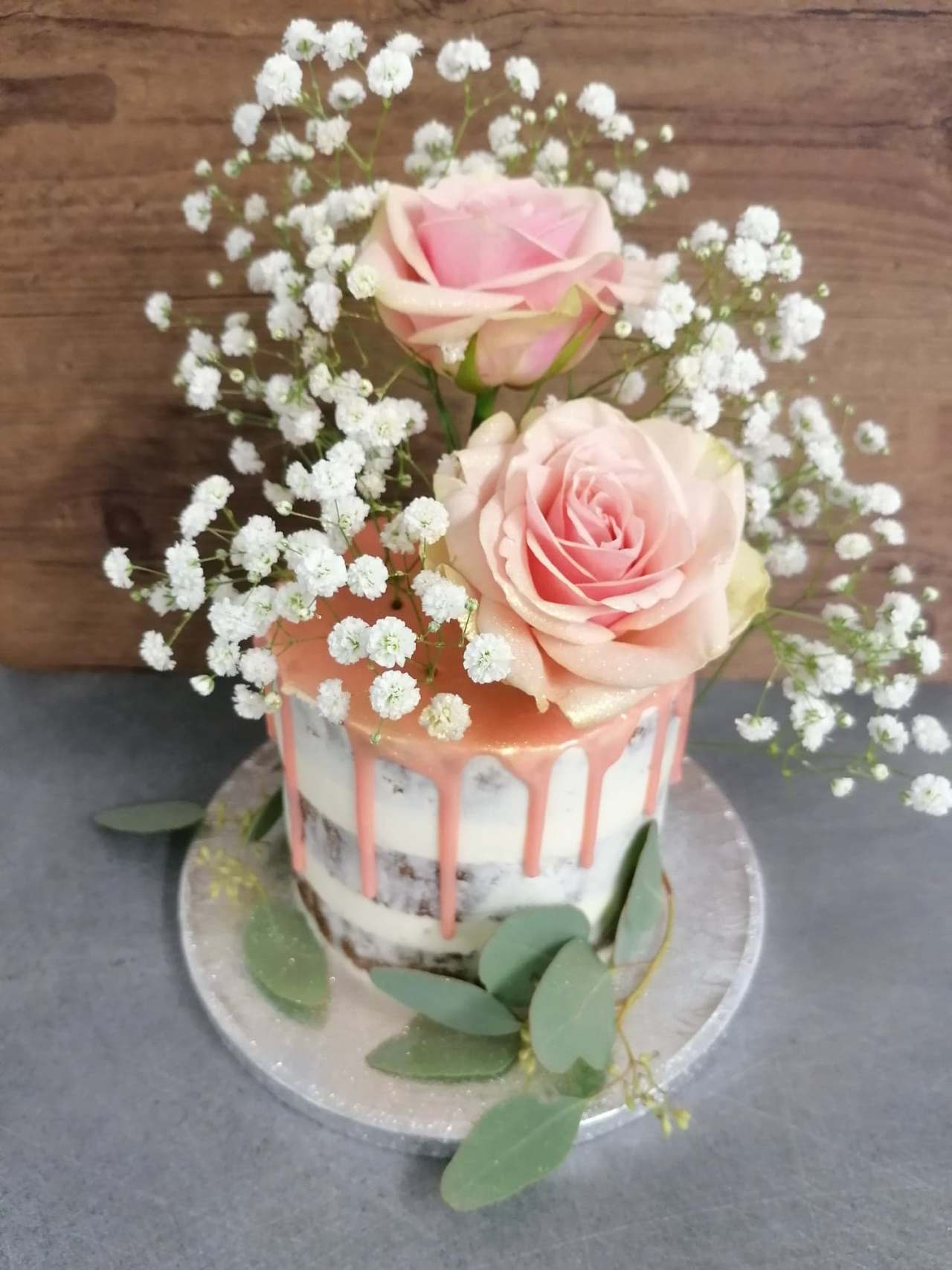 Naked cake fleurs fraiches