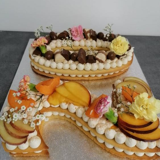 Number cake pêche abricot / kinders