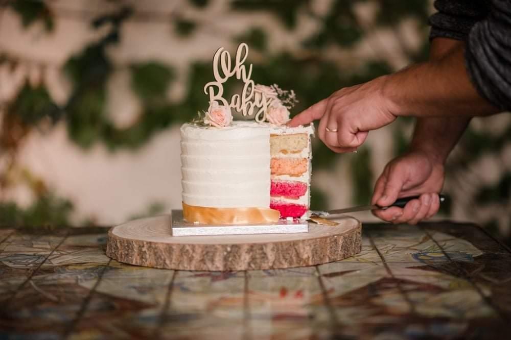 layer cake reveal cake ©Johanna Sarniguet